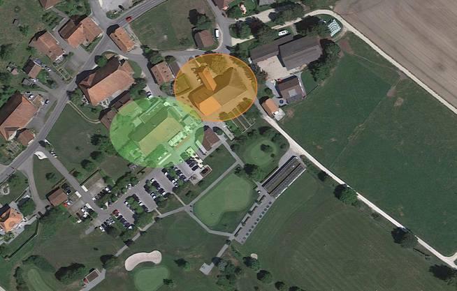 Das Clubhaus von Golf Limpachtal (grüner Kreis) steht direkt neben dem abgebrannten Bauernhaus (oranger Kreis).