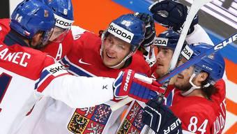 Die Tschechen freuen sich über das 1:0