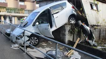 Nussbaumen: Autofahrer durchbrach Garage