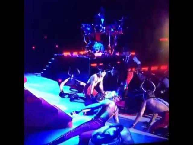 Brit Awards: Madonnas Sturz von der Bühne.