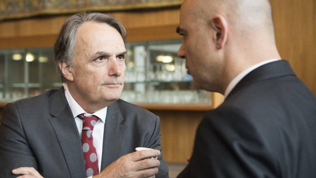 Staatsekretär Mario Gattiker (links) und Gesundheitsminister Alain Berset an der Swiss Public Health Conference. Gegenstand der Konferenz waren die gesundheitlichen Beeinträchtigungen von Flüchtlingen.