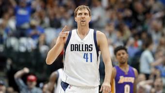 Dirk Nowitzki spielt seit 1998 für die Dallas Mavericks und erzielte in dieser Zeit über 30 000 Punkte in der NBA.