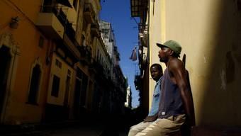 Kubaner in der Altstadt von Havanna