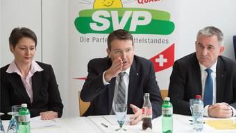 Da war das Verhältnis noch ungetrübt: Parteipräsident Thomas Burgherr 2016 bei der Vorstellung der SVP-Regierungsratskandidatin Franziska Roth. Alex Spichale