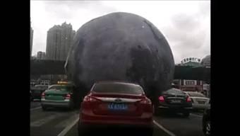 Gfürchig: Der Mond auf seiner wilden Tour durch Fuzhou.