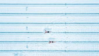 Schwimmen im Schwimmbecken ist momentan verboten.