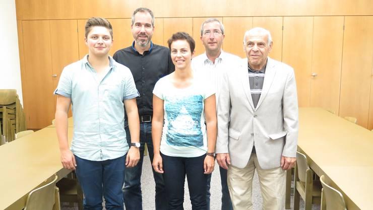 Fünf der 44 MGUE-Mitglieder: Massimo Rossi, Stefan Suter, Maja Grob Baumann, Daniel Willi, Ernst Vogt (v.l.n.r.)