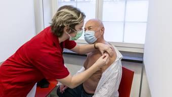 Am 5. Januar wurde im Aargau zum ersten Mal gegen das Coronavirus geimpft. Gerhard Raudies (78) aus Egliswil war einer der ersten.