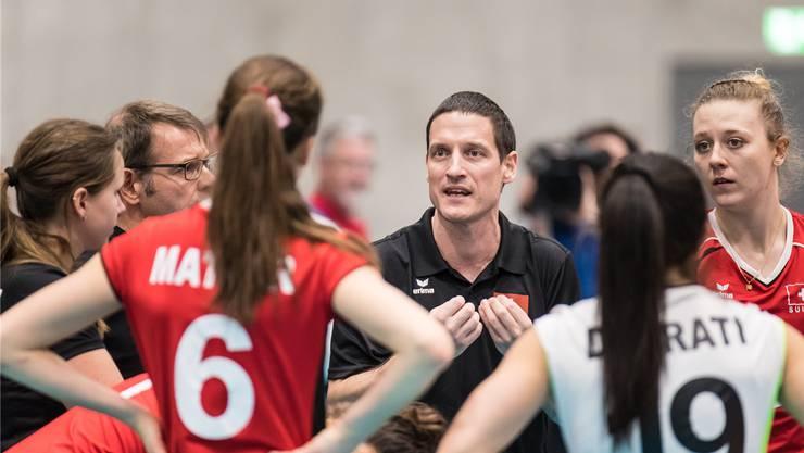 «Der Erfolg hat den Spielerinnen gezeigt, dass es sich lohnt, zu kämpfen und auf die Karte Spitzensport zu setzen», sagt Nati-Trainer Timo Lippuner.