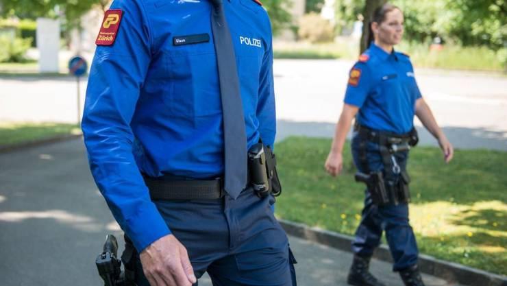 Als die Polizei vor Ort eintraf, fand sie einen schwerverletzten Mann vor. (Symbolbild)