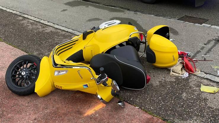 Muttenz BL, 24. September: Eine 69-jährige Autolenkerin übersah beim Abbiegen ein Motorrad auf der Gegenfahrbahn. Bei der Kollision wurden der Motorradlenker und seine Mitfahrerin verletzt.