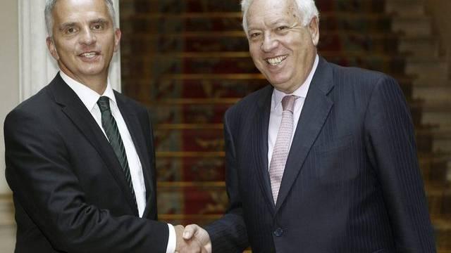 Bundesrat Didier Burkhalter (l.) mit dem spanischen Aussenminister José Manuel Garcia-Margallo in Madrid
