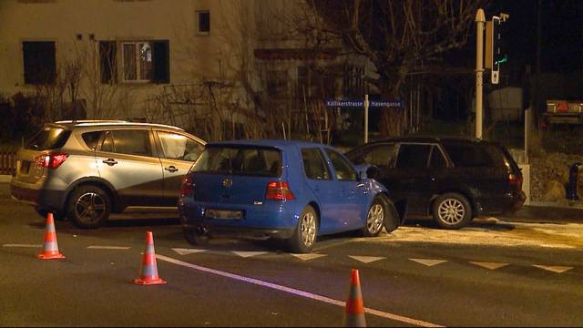 Kollision mit drei Autos in Gretzenbach