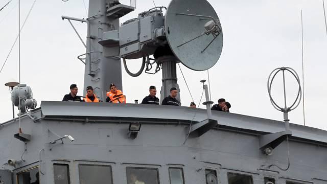 Russische Marinesoldaten auf einem Kriegschiff (Archiv)