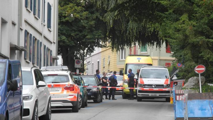 Die Polizei an der Bündengasse vor Ort.
