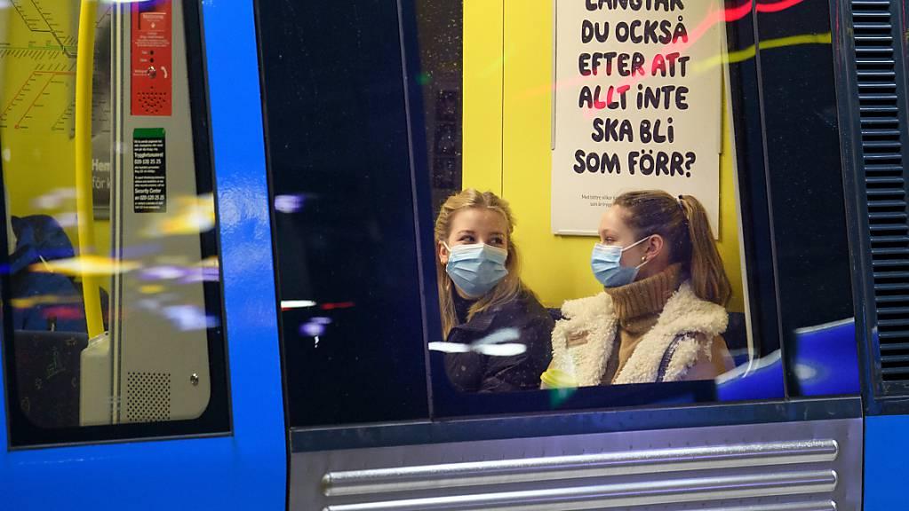 ARCHIV - Bislang haben in Schweden mehr als 83 Prozent der Menschen im Alter von über 16 Jahren mindestens eine Corona-Impfdosis erhalten - über 76 Prozent auch schon ihre zweite. Foto: Jessica Gow/TT NEWS AGENCY/AP/dpa