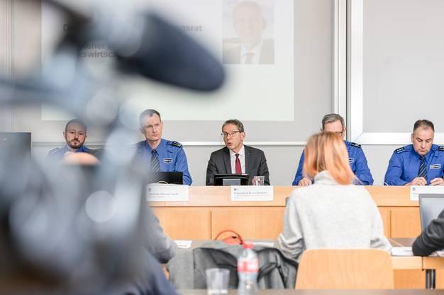 Impressionen von der Medienkonferenz zum Jahresrückblick 2019 der Kantonspolizei Aargau.