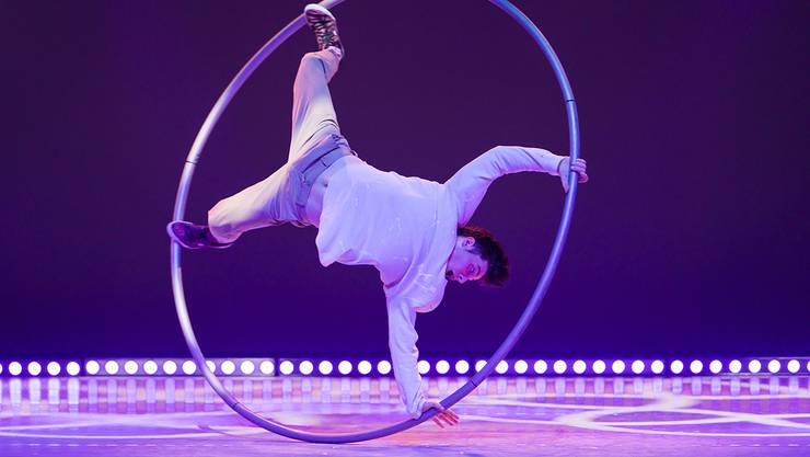 CHRISTOPHER THOMAS - Cyr Wheel - UK, National Centre for Circus Arts, London Young Stage