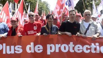 Unia-Präsidentin Vania Alleva mit ihren Genossen an einer Demonstration in Zürich.