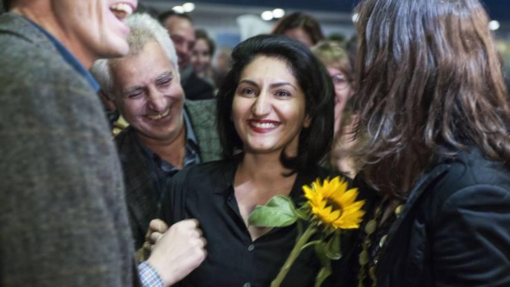 Sibel Arslan freut sich über ihre Wahl in den Nationalrat.