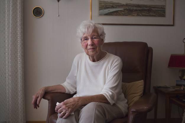 Ingrid Borner in ihrer Wohnung, die sie vor vielen Jahren für sich und ihren Mann eingerichtet hat.