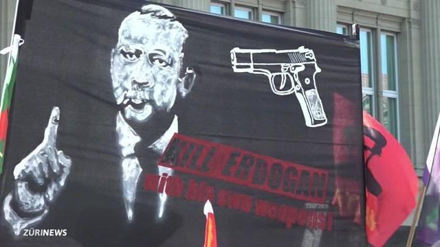 Diplomatische Krise wegen Demo-Plakat