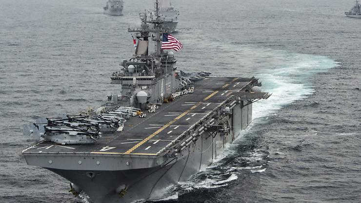 Die Mannschaft des amerikanischen Marineschiffs USS-Boxer soll nach US-Angaben eine iranische Drohne zerstört haben - Teheran bestreitet dies. (Archivbild)