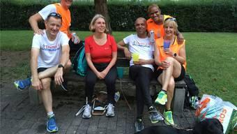 Lenthe Basant (3. von rechts, hier mit Kolleginnen und Kollegen vom Lauftreff) wird am Zürich Marathon starten. zvg