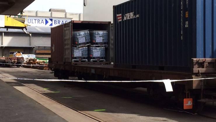 Der mit Nicotinsulfat beladene Behälter verschob sich während des Transports, wurde aber nicht beschädigt.
