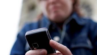 Trotz Anzeigen seiner ehemaligen Freundin: Der Beschuldigte liess nicht ab von den unerwünschten Telefonanrufen (Symbolbild). Archiv AZ