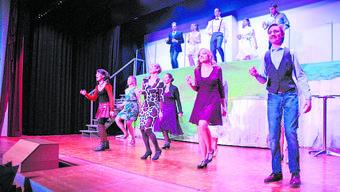 Die «Theaterbühne Turnverein Zuzgen» sorgte für eine schwungvolle Aufführung.