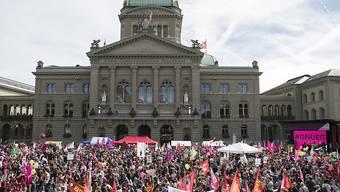 Gegen 20'000 Menschen haben am Samstag in Bern für Lohngleichheit und gegen Diskriminierung demonstriert. Ob der Nationalrat sie erhört, wird sich heute zeigen.
