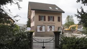 Das «Haus zum Federal» steht mitten in Wohlen. Es ist sichtbares Sinnbild für die vielfältige Veränderung, die das Dorf zurzeit erlebt und bewegt.