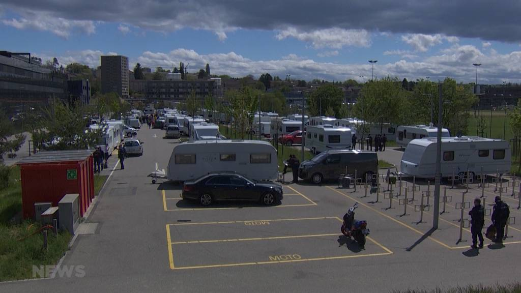 Saftige Bussen für Fahrende: Sie müssen den Parkplatz bei der Bieler Tissot-Arena verlassen