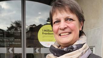 Esther Freivogel vor «ihrem» Kantonalbank-Sitz in Gelterkinden. Am kommenden Donnerstag hat sie ihren letzten Arbeitstag. Kenneth Nars