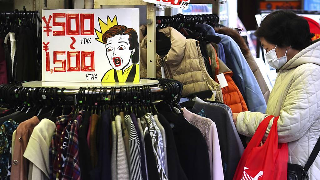 Japans Verbraucherpreise geben deutlich nach - Sorge vor Deflation