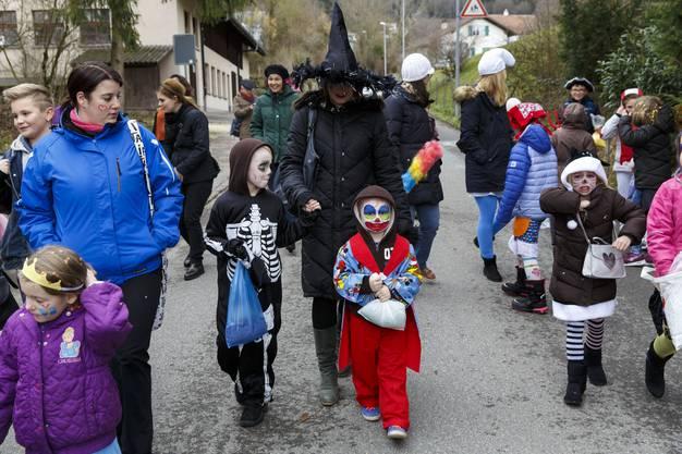 Kinderumzug und Kindermaskenball in Oberdorf. (10)