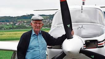 Tony Birrer war 48 Jahre lang Fluglehrer auf einmotorigen Flugzeugen und verbrachte fast vier Jahre in der Luft.