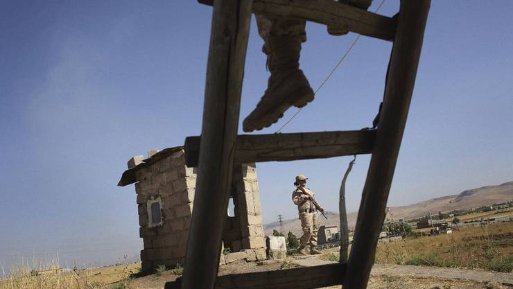 Frauen sind bei den IS-Kämpfern gefürchtet: Diese glauben, wer von einer Frau getötet wird, komme nicht ins Paradies. Die Kurdinnen verteidigen ihre Gebiete – und ihr Recht auf Gleichberechtigung.