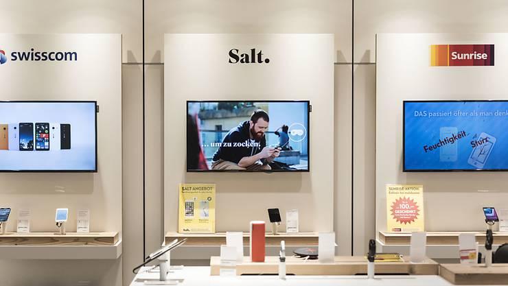 Salt fliegt raus: Bisher hat Mobilezone in seinen Shops unter anderen Produkte des Telekomanbieters Salt verkauft. Damit ist nun Schluss.