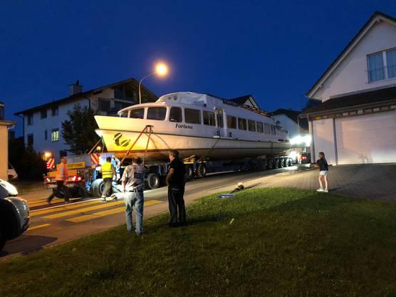 In der Nacht auf Samstag wird das Schiff abtransportiert.