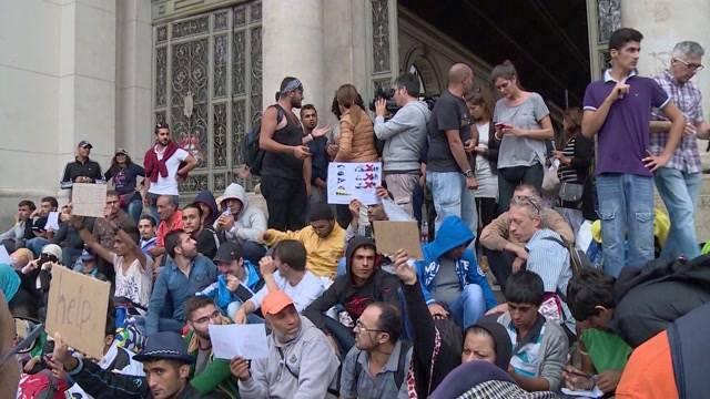 Flüchtlingskrise in Ungarn: Die Situation vor Ort