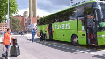 Lohndumping-Vorwürfe: Die Fahrten von Flixbus zu Billigpreisen seien nur möglich dank Tiefstlöhnen für ausländische Chauffeure.