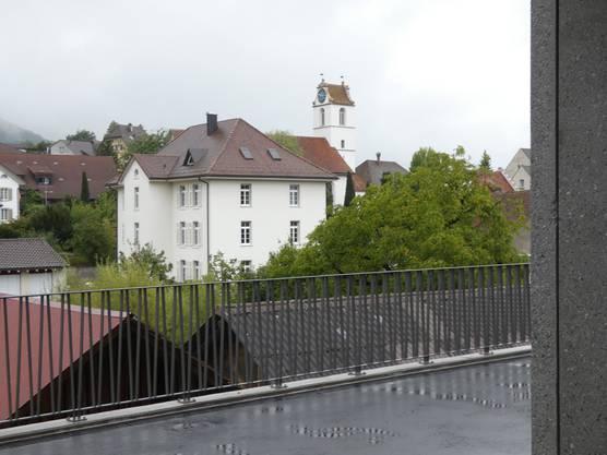 Der Blick vom  neuen Schulhaus