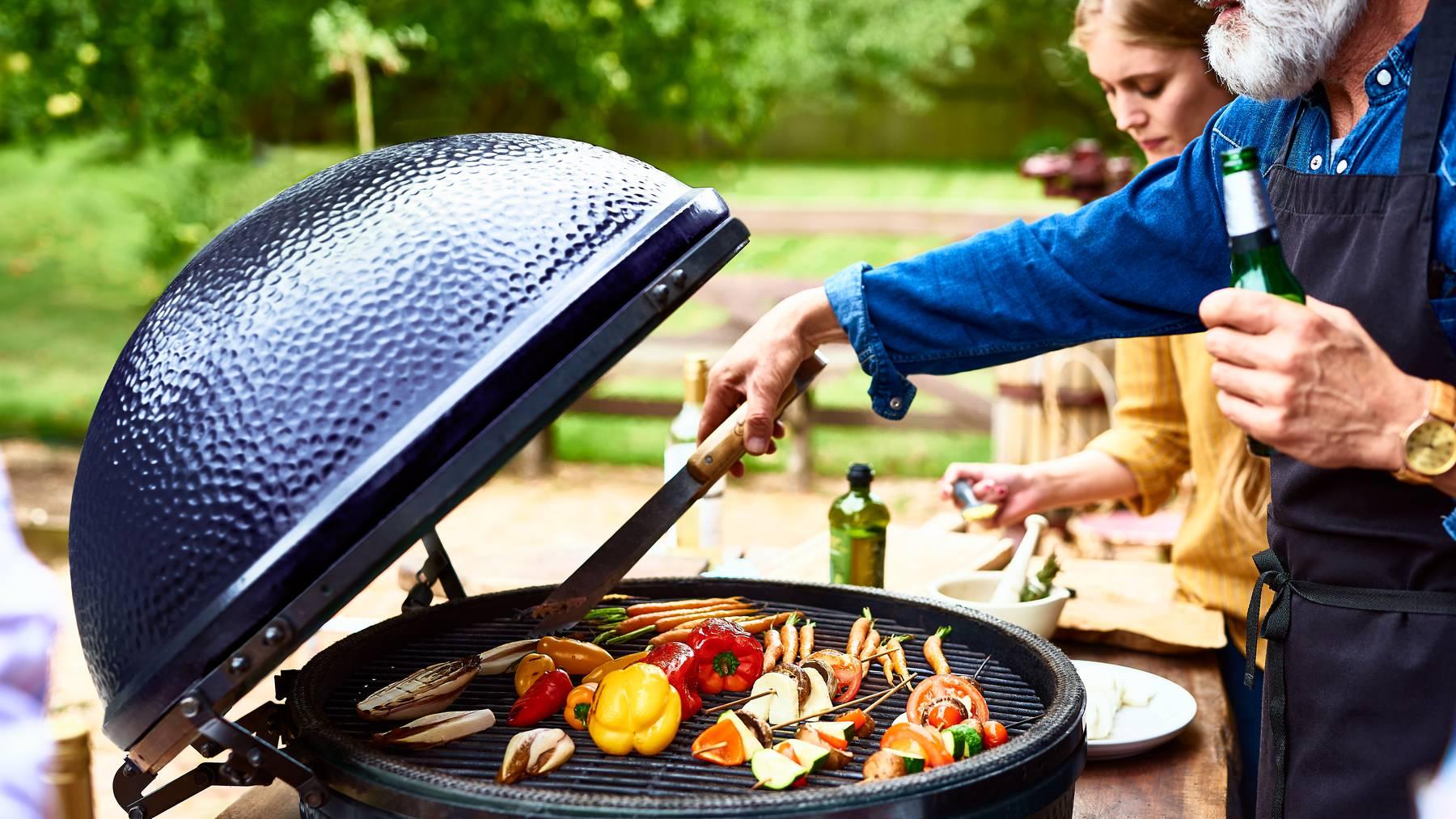 Gartenparty Grill BBQ Barbeque Gartenfest grillieren