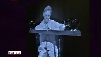 """Der Kabarettist Emil Steinberger feiert am 6. Januar 2018 seinen 85. Geburtstag. Mit seiner zeitlosen Bünzlifigur """"Emil"""" hatte der Luzerner Generationen von Deutschschweizern zum Lachen gebracht, aber auch in der Romandie und in Deutschland Erfolge gefeiert."""