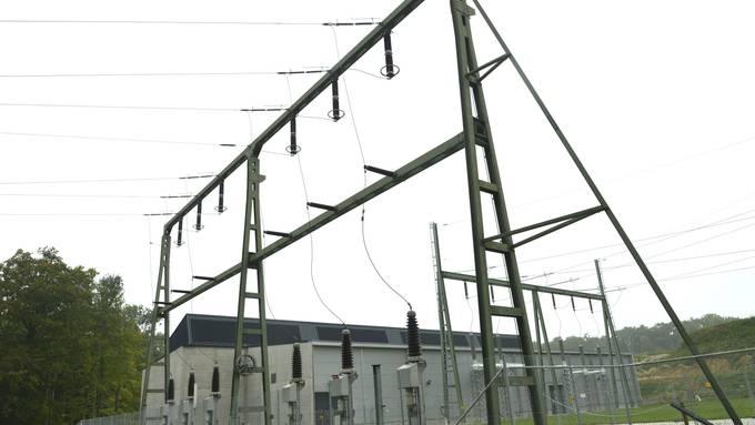Das Unterspannwerk Froloo in Therwil ist die grösste Steckdose in der Region. Ein Unfall im Gebiet sorgte für eine eine leichte Netzschwankung in Basel.  (Archiv)