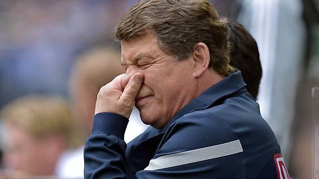 Hertha-Trainer Otto Rehhagel stinkt die 1:2-Niederlage besonders.