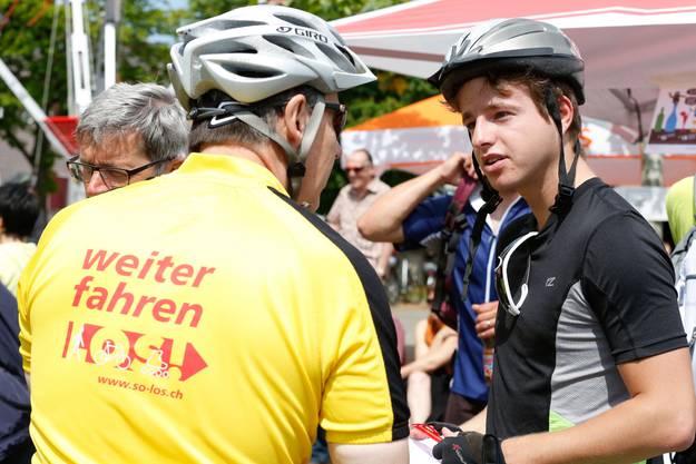 Jürgen Hofer (l., Direktor Tourismus Solothurn) im Gespräch mit Philipp Eng (für die SZ unterwegs).