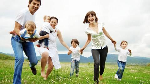 Die CVP fordert familienfreundliche Schulen (Symbolbild)